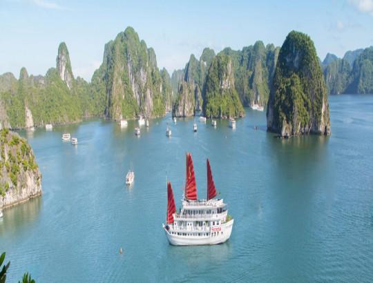 Syrena  Cruises, Halong